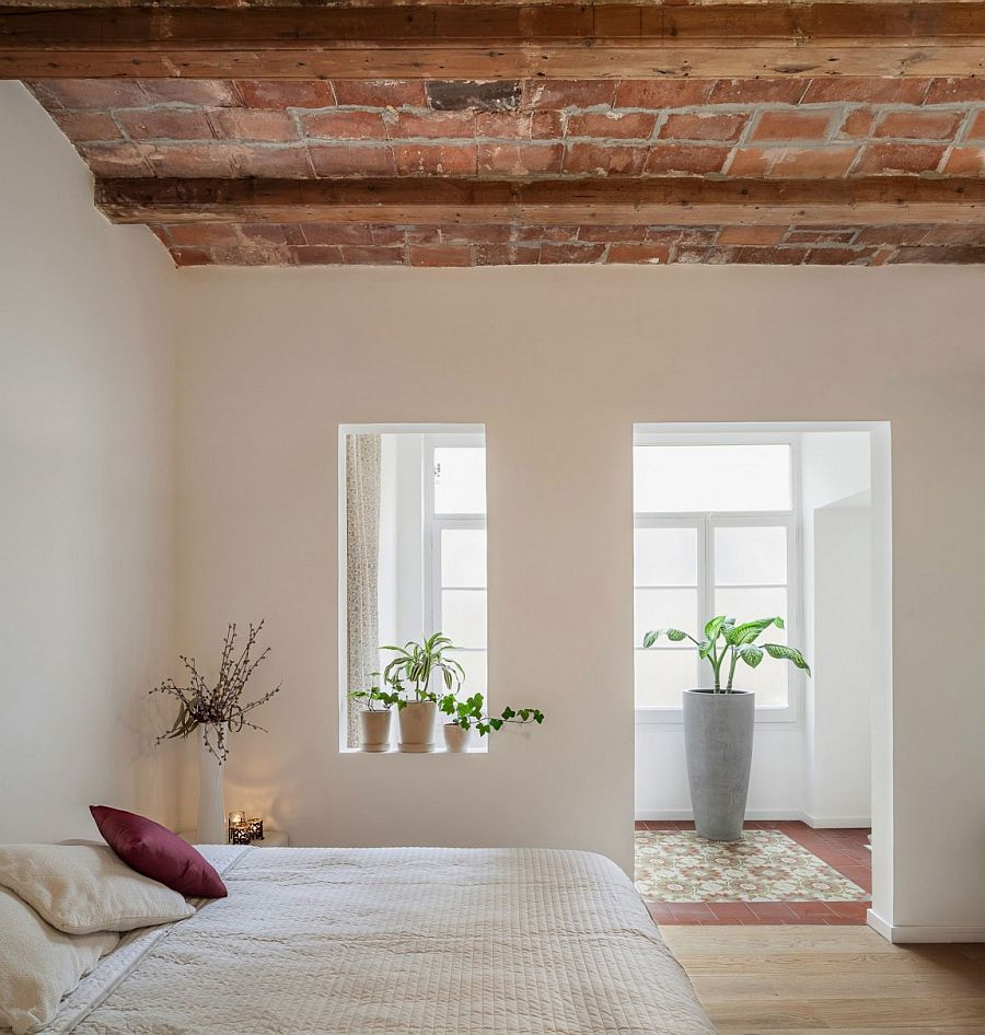 Open bedroom design of the Barcelona apartment