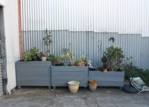 Painted-palette-garden-beds-on-wheels-217x155