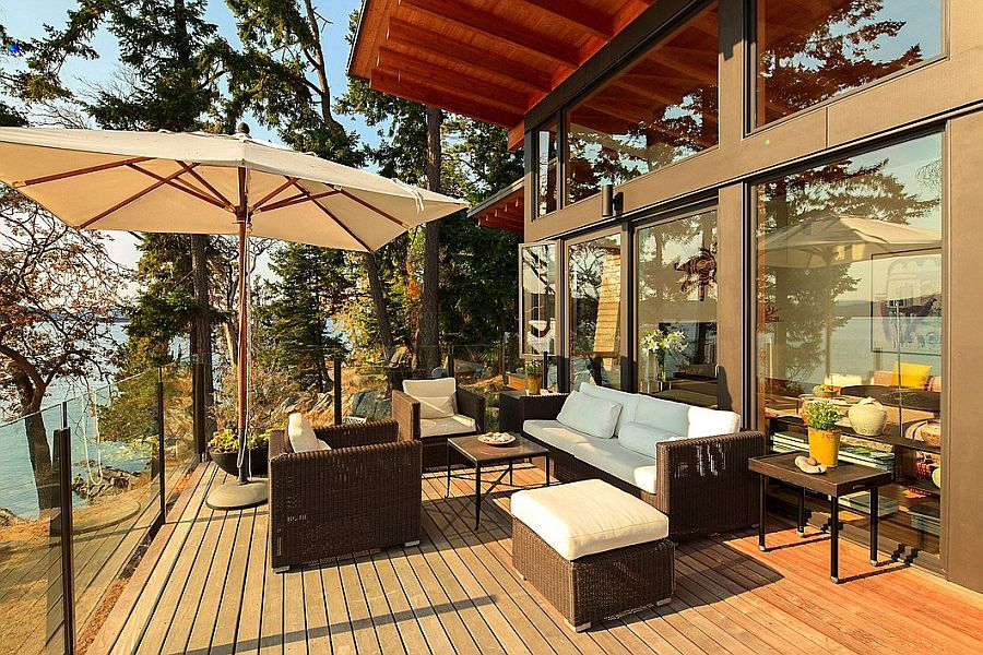 Private deck of the house with ocean view