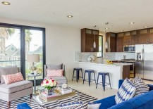 Relaxed-beach-style-living-room-with-pops-of-bright-hues-217x155