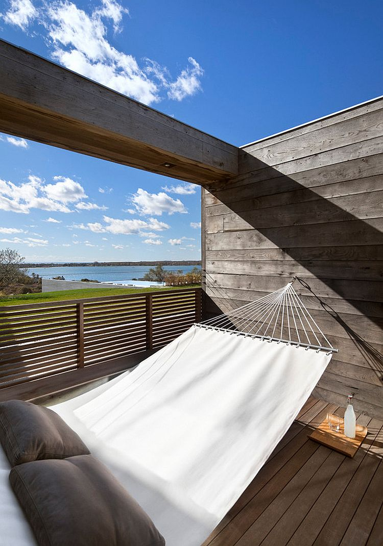 Relaxing retreat with hammock takes up little space [Design: Bates Masi Architects]
