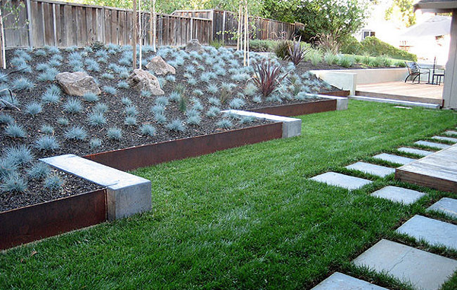 Garden Borders And Edging Ideas top 28 surprisingly awesome garden bed edging ideas View In Gallery Repetition Goes A Long Way In The World Of Landscaping