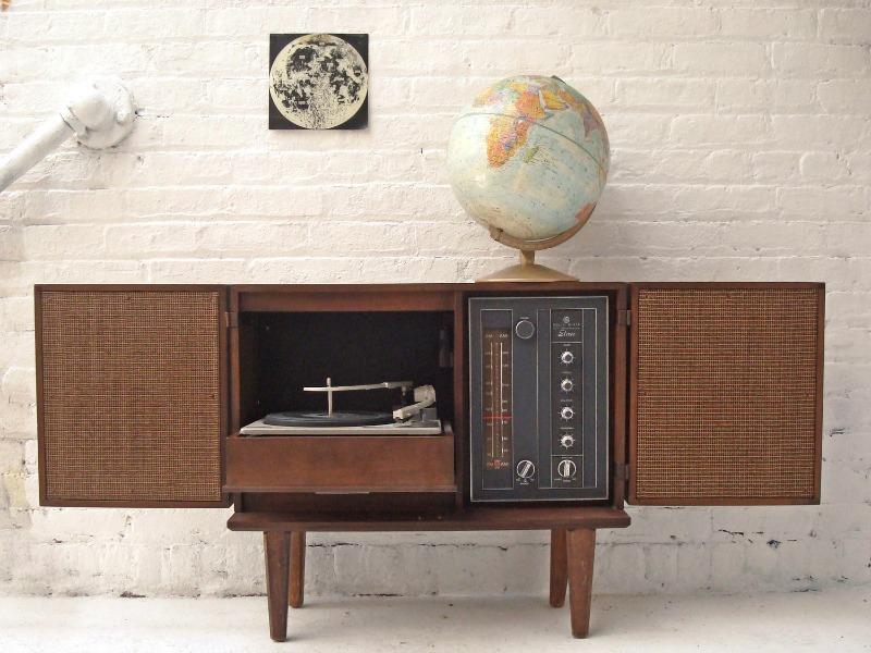 Spin That Vinyl: Modern Record-Player Setups
