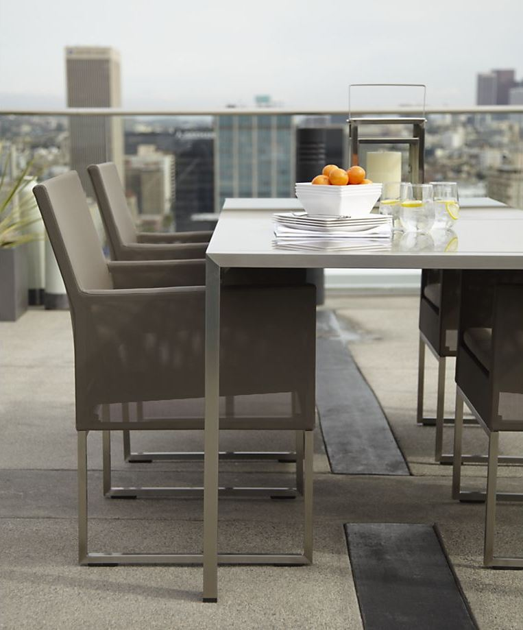 Rooftop dining area with modern style