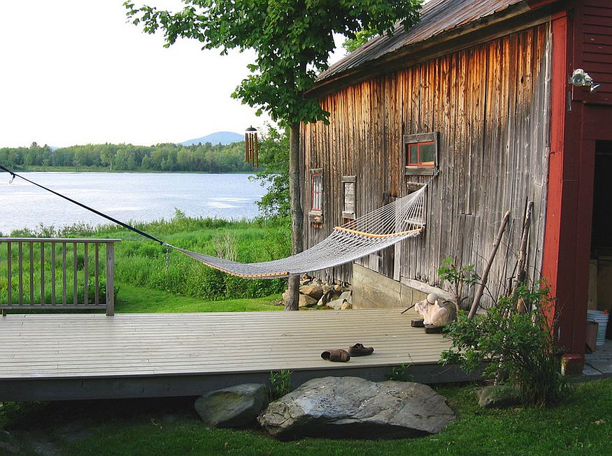 Rustic getaway perfect for a lazy summer afternoon [Design: Tobias Gabranski / Architecture & Design]