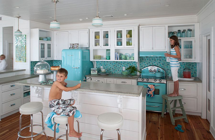 Shades of blue give the kitchen a relaxing ambiance [Design: Atlantic Archives]