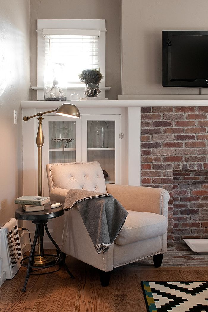 Sleek floor lamp saves up on square footage [From: Lucy Call Photography]