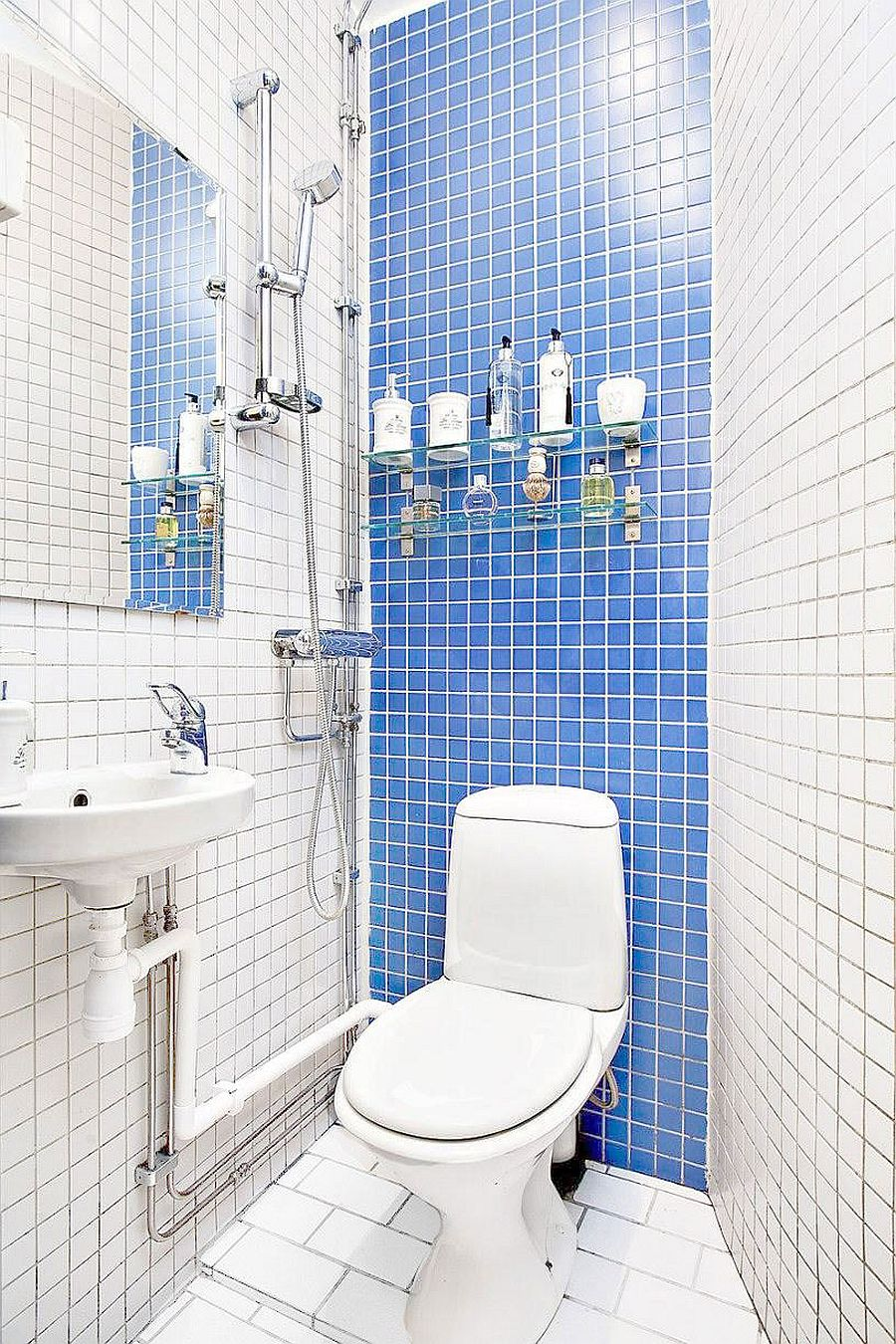 20 sqm apartment in stockholm with scandinavian design for White and blue bathroom ideas