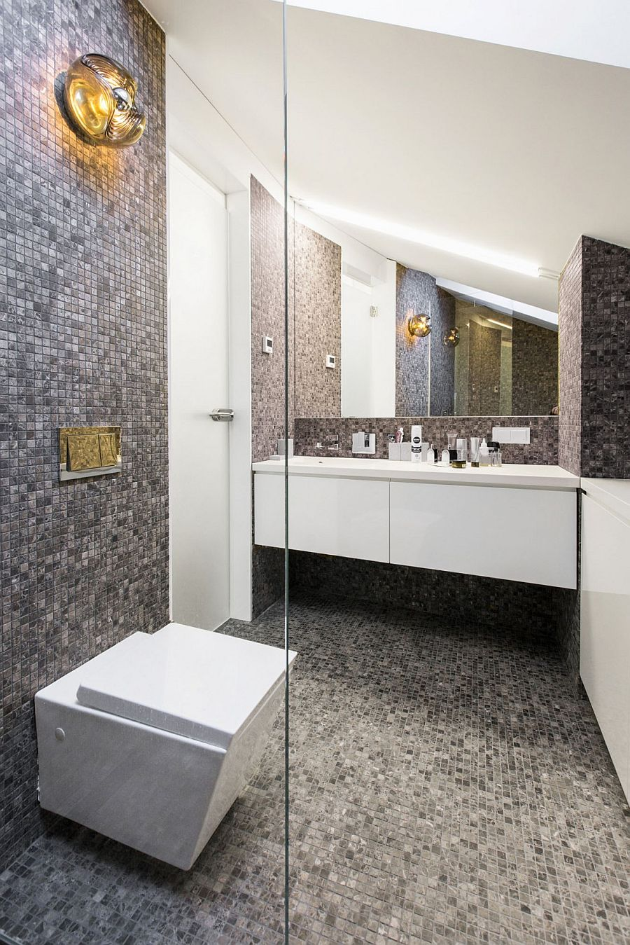 Small contemporary bathroom design with plenty of glam