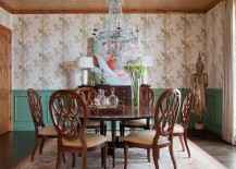 Smart color scheme in the traditional dining room