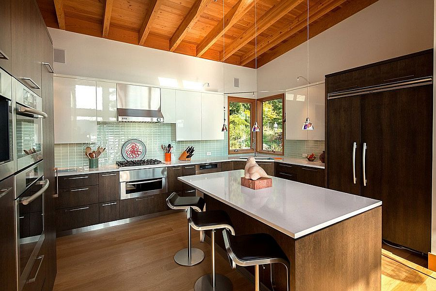Smart kitchen design keeps things simple and stylish