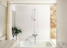 Smart-small-bathroom-design-combines-natural-stone-with-all-white-modern-surfaces-217x155
