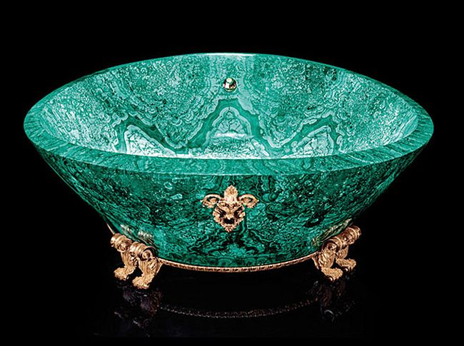 Stunning malachite bathtub for the ultimate luxury seekers [Design: Luca Bojola / Baldi]