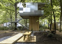 Stylish-design-of-the-treehouse-combines-the-natural-with-the-contemporary-217x155