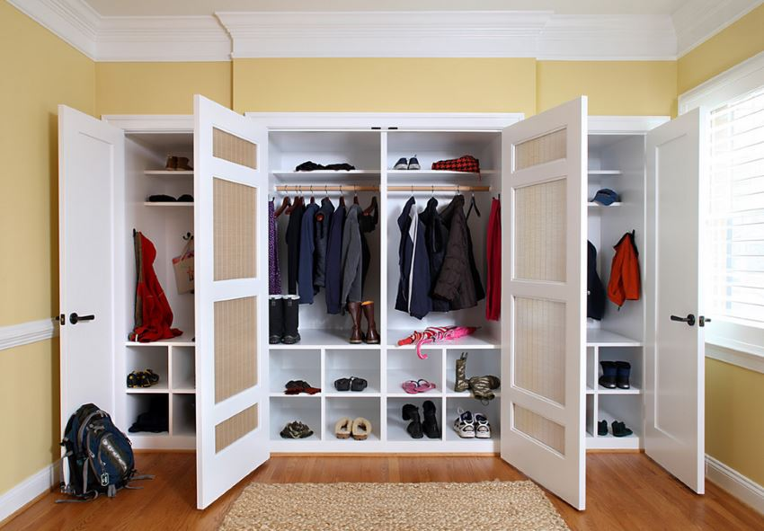 Things In A Foyer Closet Crossword : Ways to make your roommate more organized for a clutter