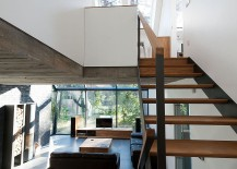 Wooden-and-steel-staircase-keeps-its-design-simple-and-industrial-217x155