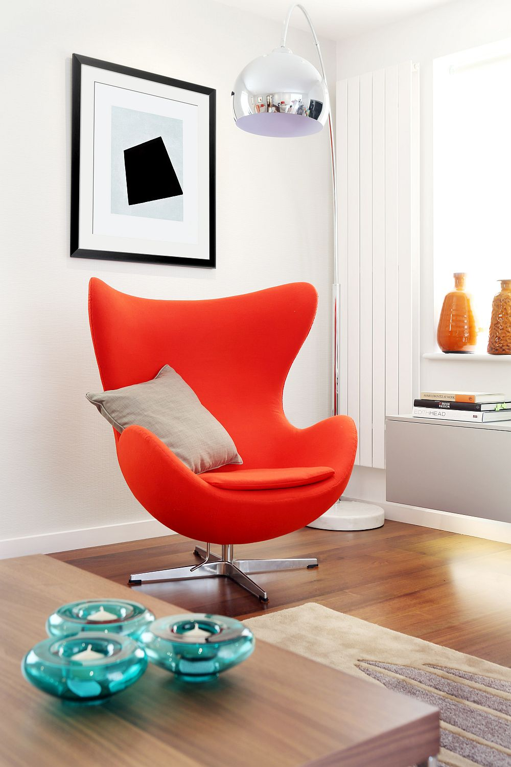 Arne Jacobsen Egg Chair brings color to the lovely TV Room