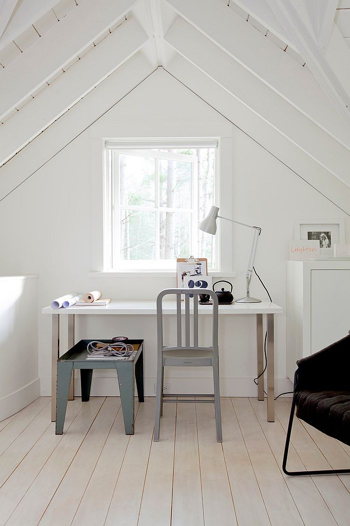 Attic home office with a relaxed Scandinavian style [Design: Marrimor]