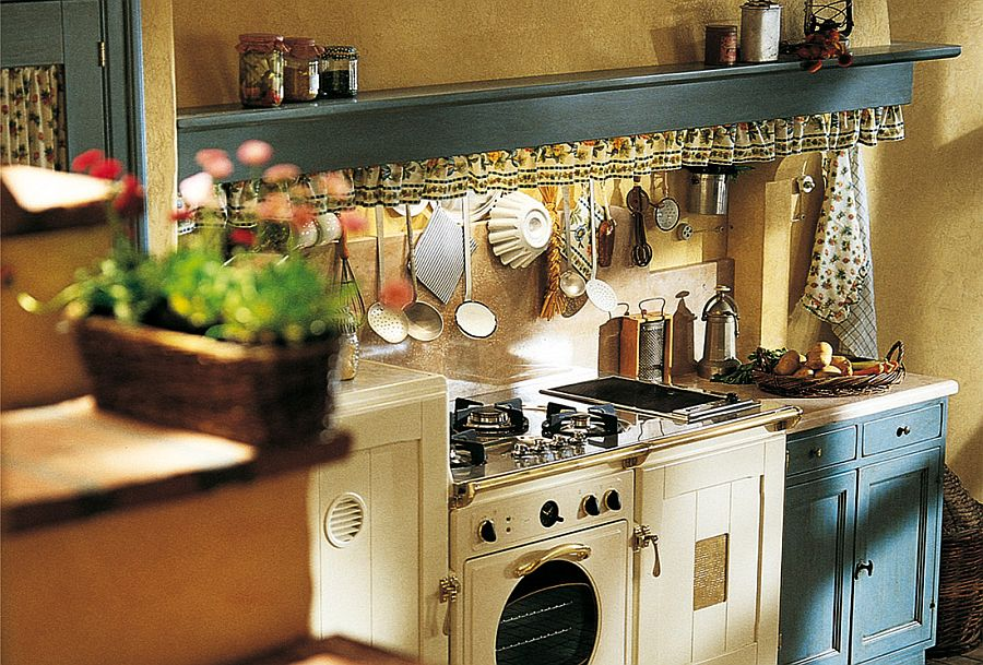 Beautiful country kitchen decorating idea
