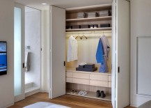 Bedroom-closet-in-the-cool-NYC-apartment-217x155