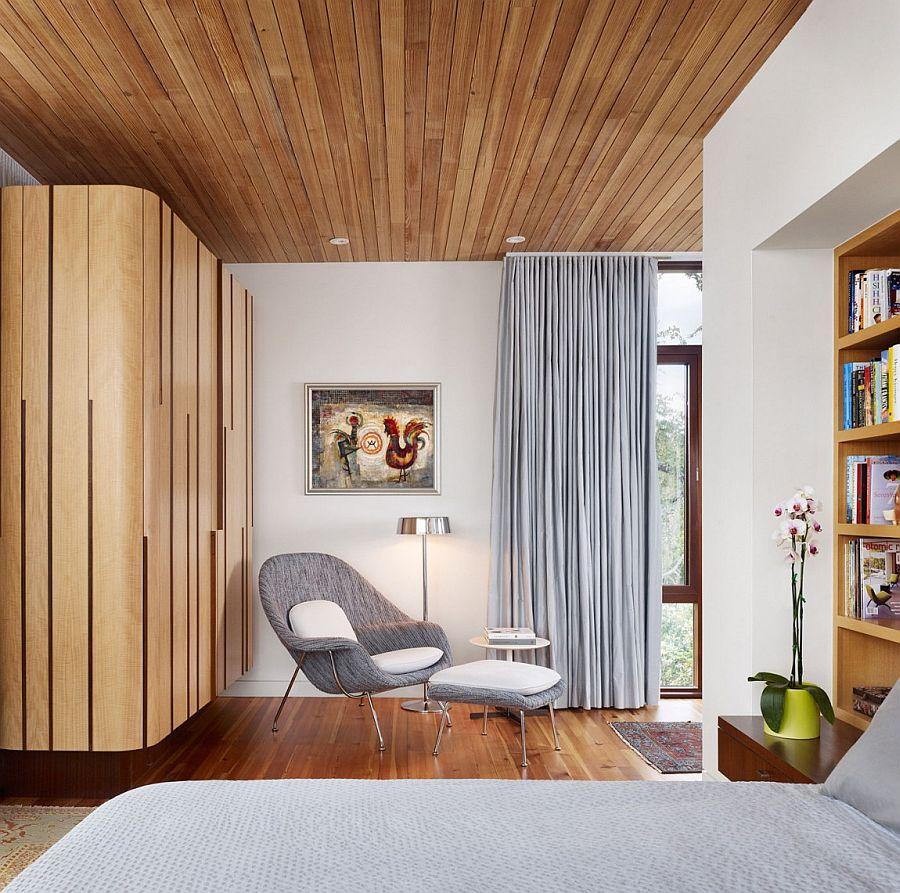 Bedroom reading nook decorating idea