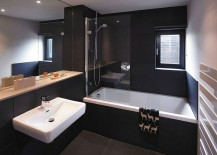 Black bathroom idea for the modern home