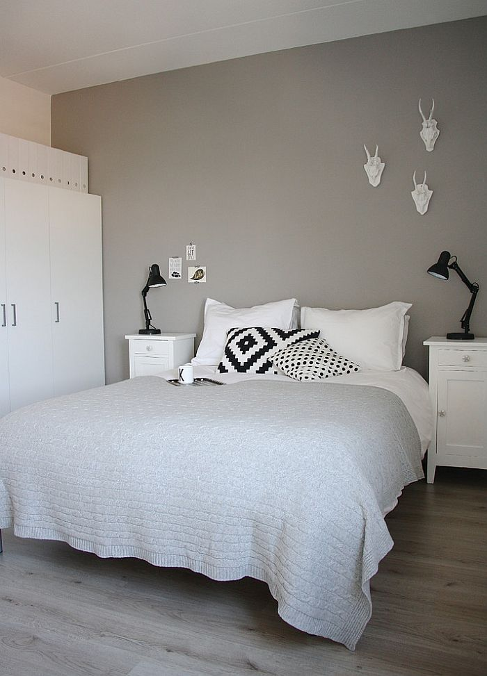 classy scandinavian bedroom idea for those who love just black white