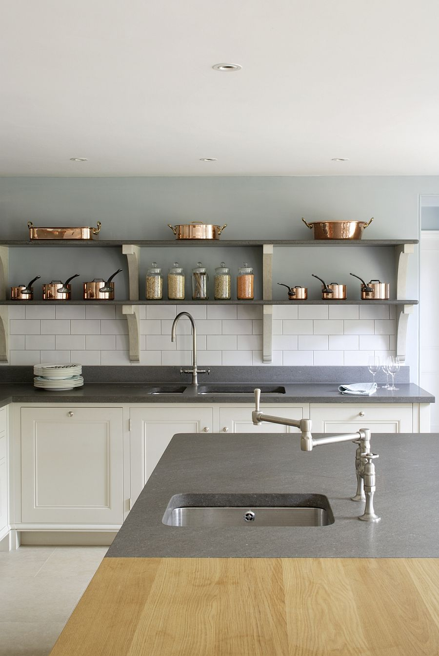 View In Gallery Country Kitchen With Modern Ergonomics