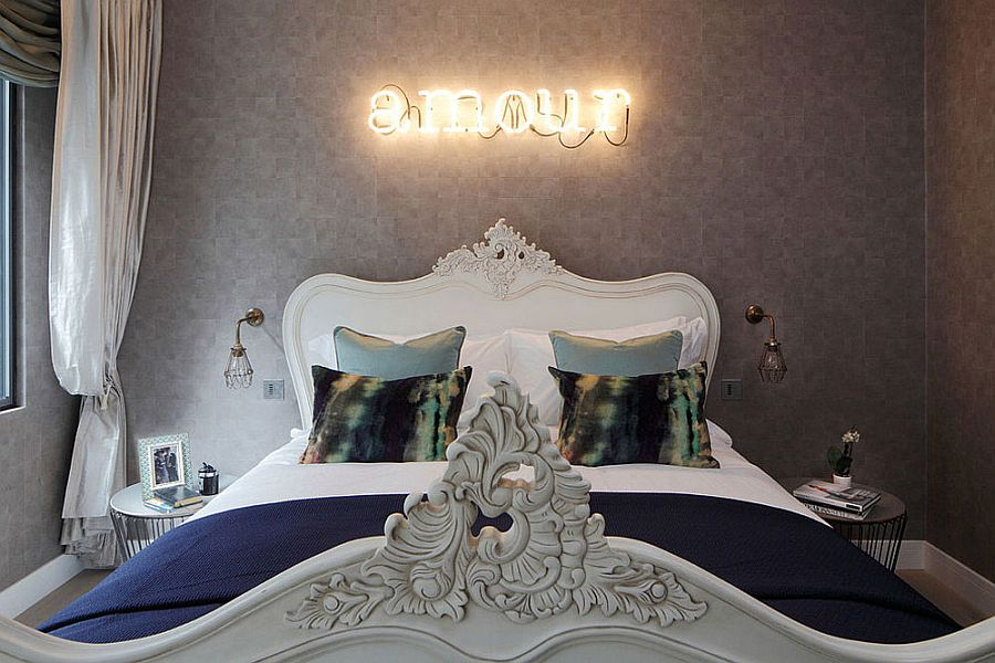 Creative wall decorating idea for the classy bedroom