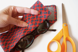 DIY necktie eyeglass case  8 DIY Father's Day Gifts to Make for Dear Old Dad DIY necktie eyeglass case