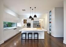 Dark-pendant-lights-offer-wonderful-visual-contrast-in-the-kitchen-217x155