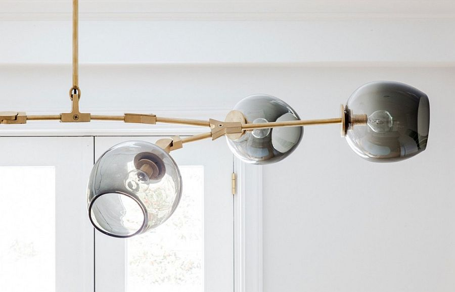 Dining room lighing idea for those who love vintage modern style