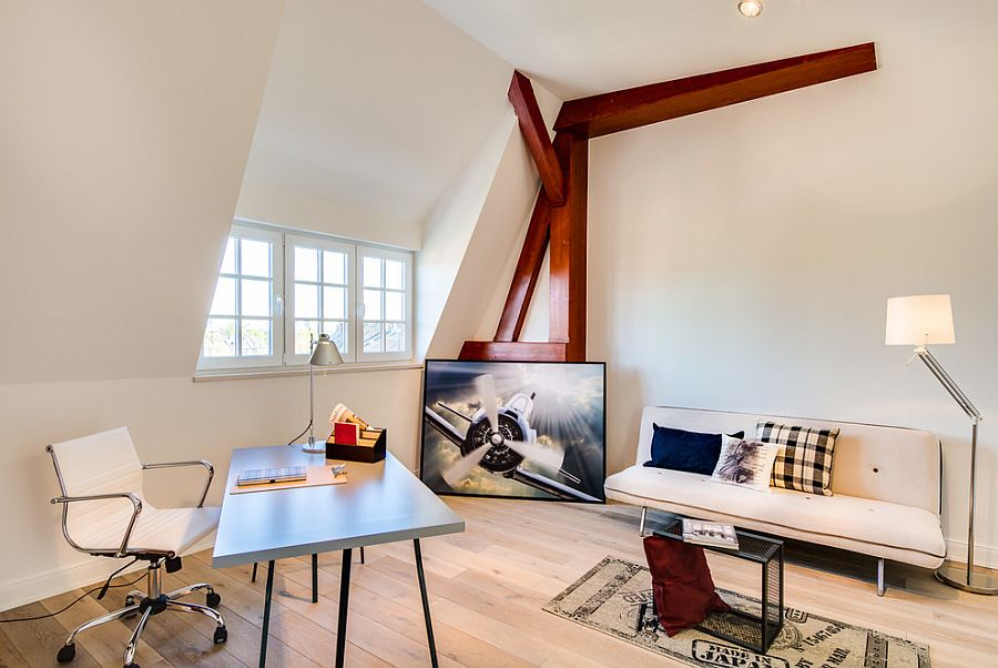 Efficient attic home office design that puts the space to good use