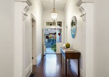 Entry-of-the-classic-Brick-Federation-house-in-Melbourne-217x155
