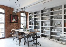 Fabulous dining room with industrial style and open shelves