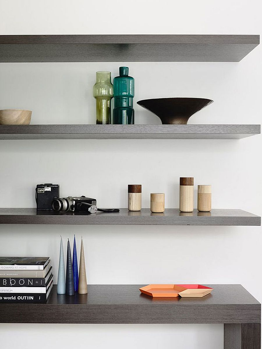 Floating shelves decorating idea in the home office