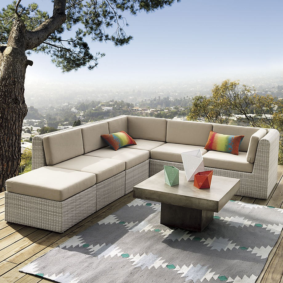 10 outdoor rugs that bring summer style home - Photo de terrasse moderne ...