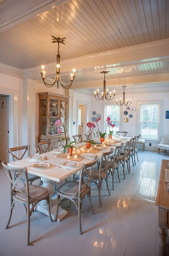 Get the lighting right in your cheerful dining room [Design: Nastasi Vail Design]