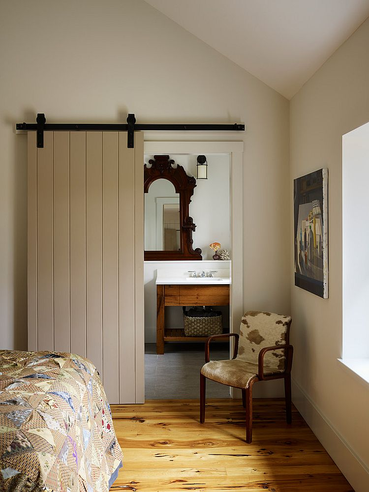 ... Lovely Farmhouse Style Bathroom With A Sliding Barn Door [Design: Moger  Mehrhof Architects]