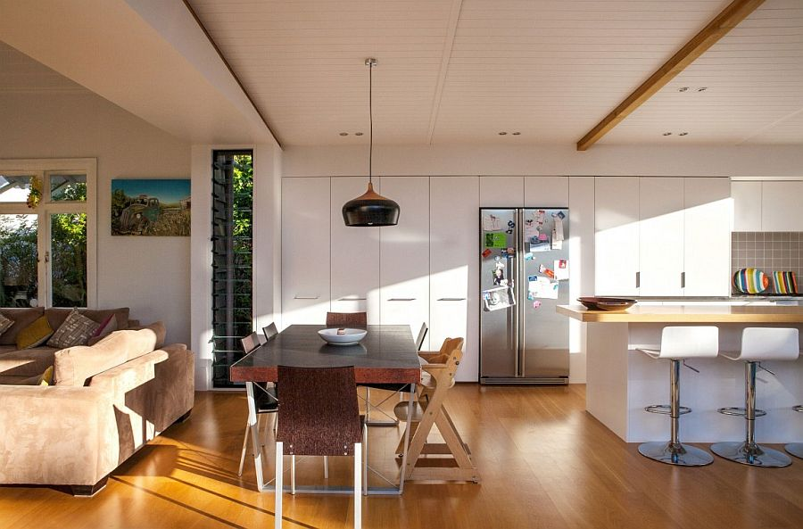 Modern renovation of the Auckland home opens up the interior to the outdoors