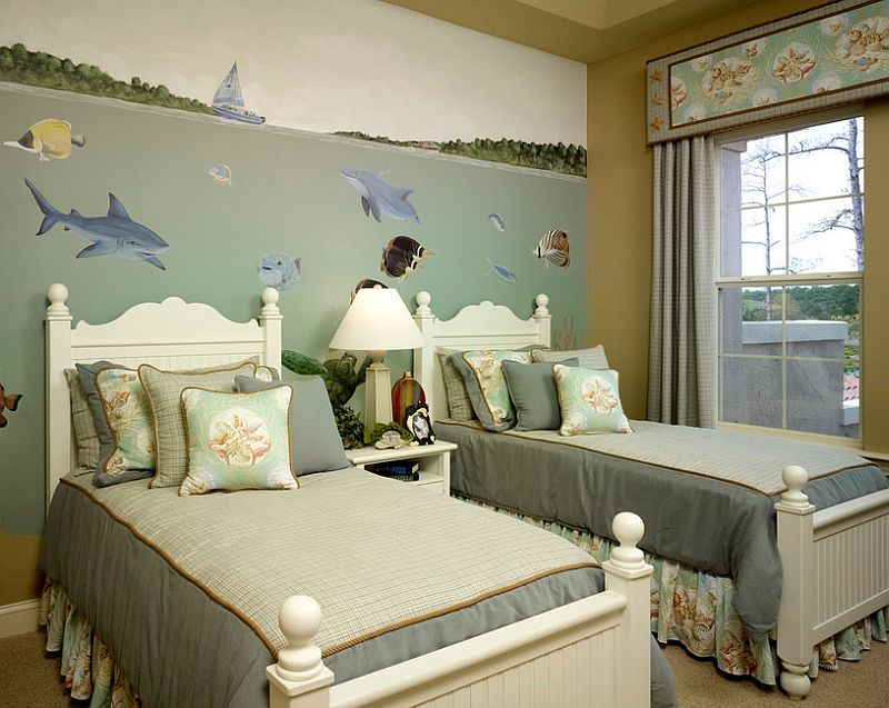 Mural brings underwater scenery to the bedroom [Design: Lendry Homes]