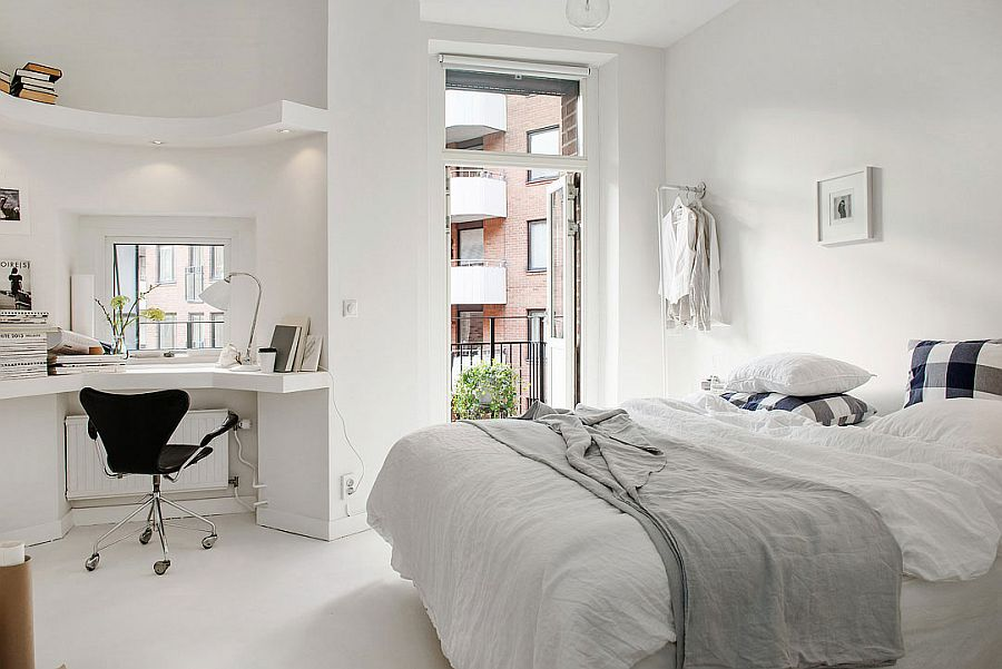 Natural ventilation and corner workspace add to the charm of the loft bedroom [From: Alvhem Brokerage and Interior]