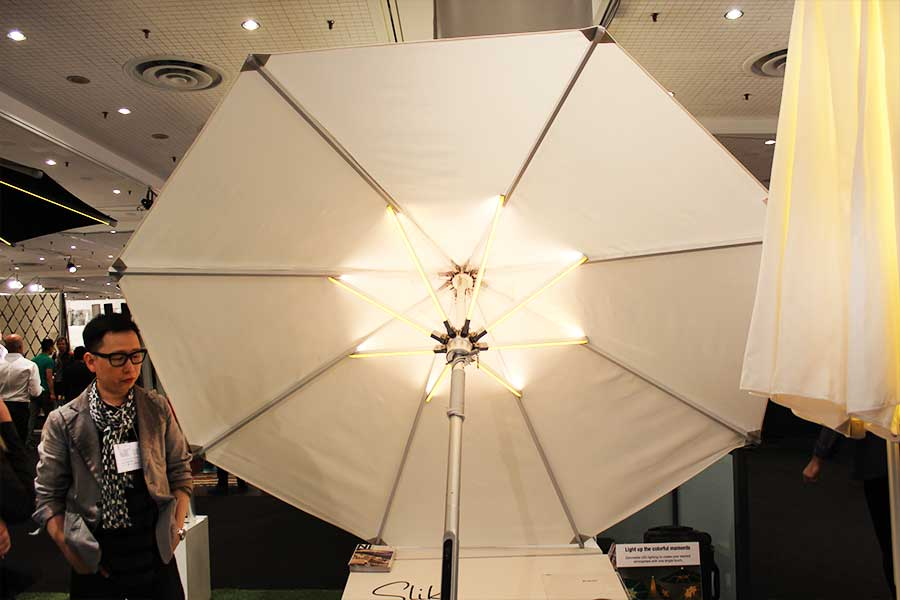 Slik Living LED Parasol White