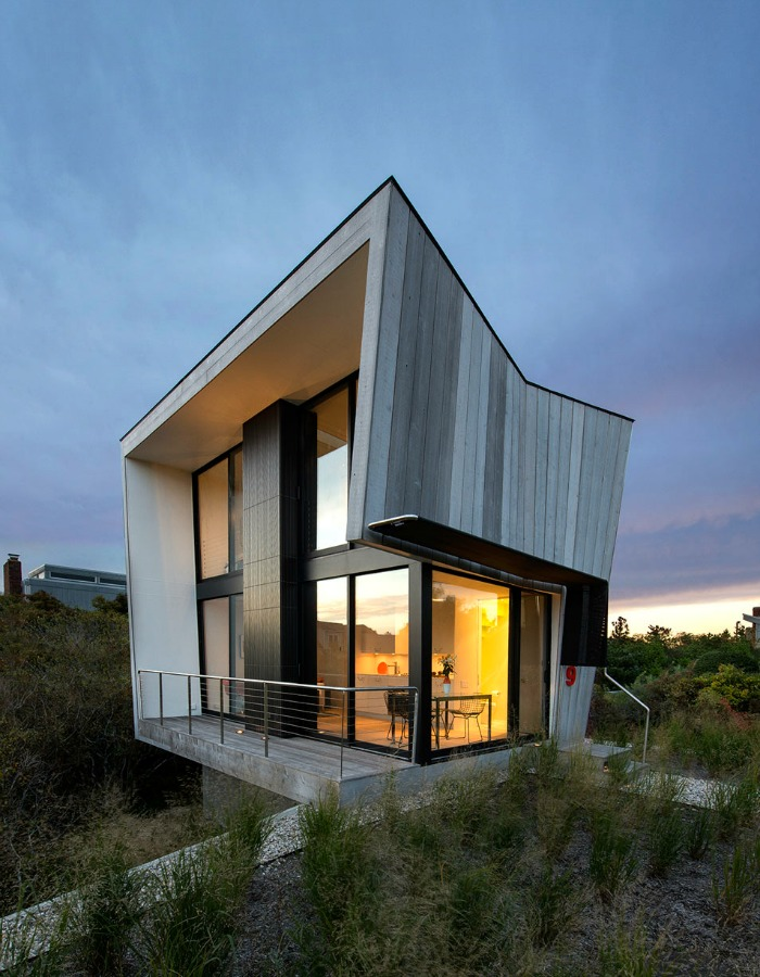 This house is on the beach just a few hundred feet from the water in Amagansett
