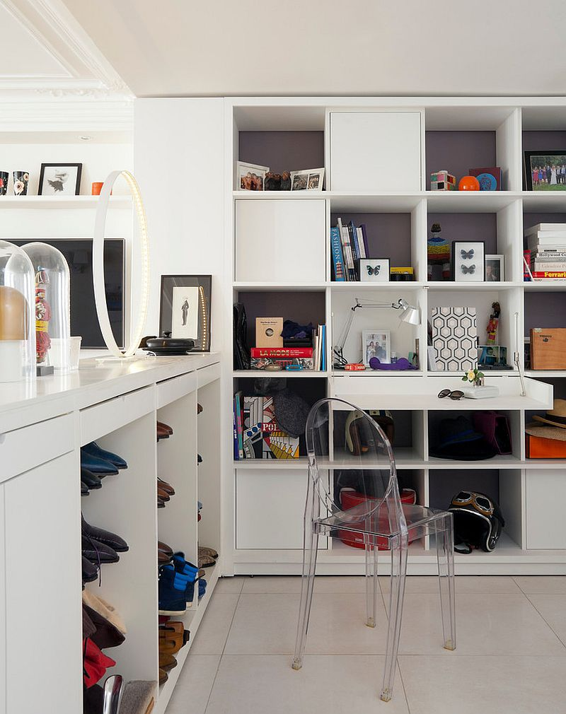 Stylish home office offers plenty of storage space [Design: ATELIER FB]