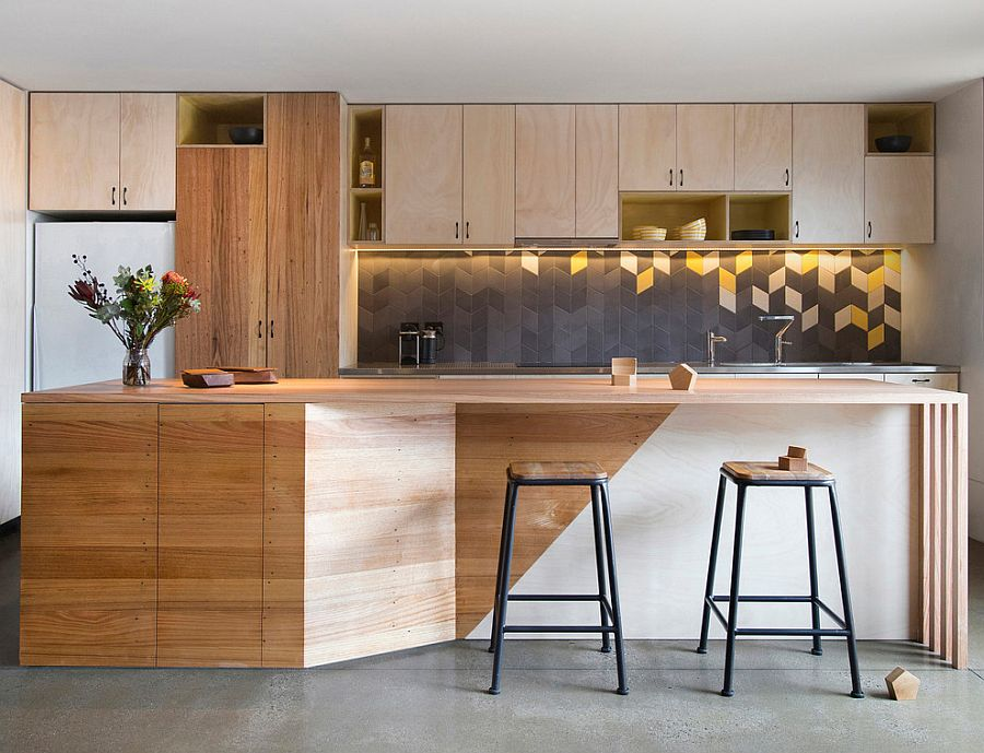 Subtle use of bright lemon accents in the contemporary kitchen [Design: Breathe Architecture]