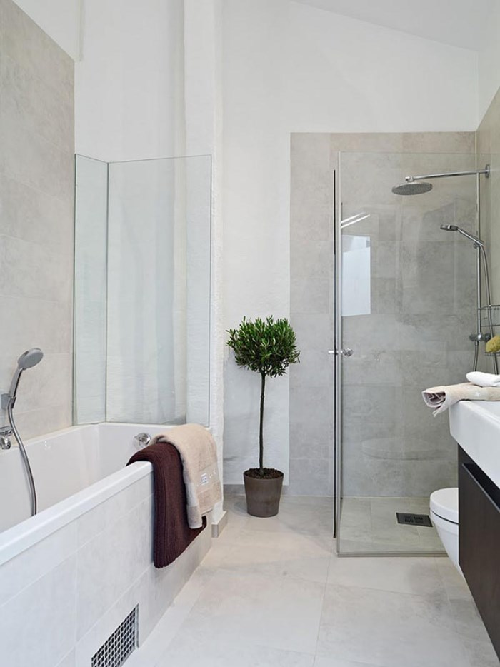 Less is more modern bathroom decor for Modern apartment bathroom ideas