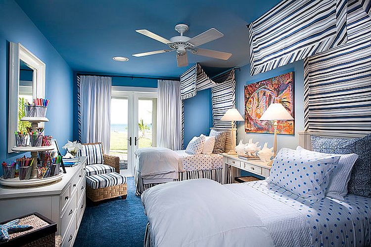 Trendy use of blue in the tropical bedroom [Design: Wissmach Architects]