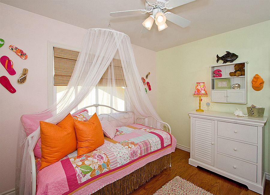 Use of tropical style allows you to use vibrant colors in the kids' room [Design: Style On a Shoestring]