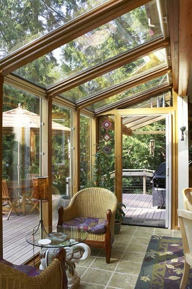 15 bright sunrooms that take every advantage of natural light for Greenhouse skylights